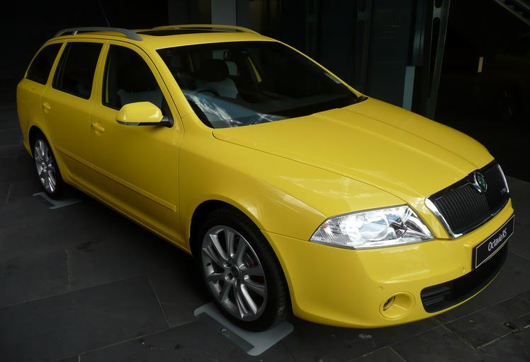 žlutá Octavia
