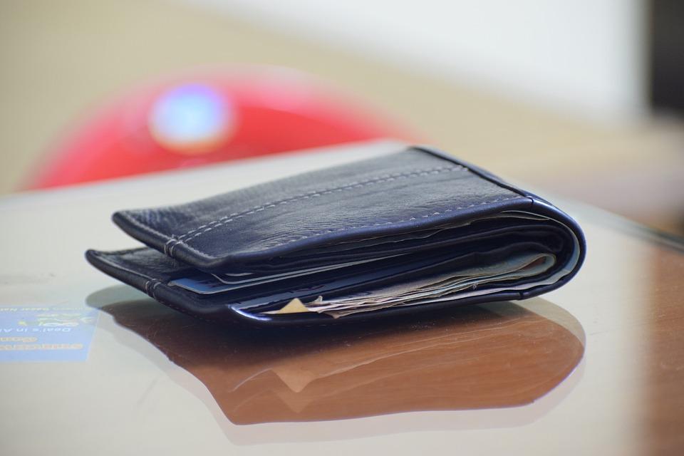 ležící peněženka